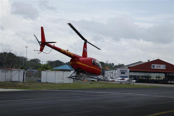 ROBINSON R44 (6)